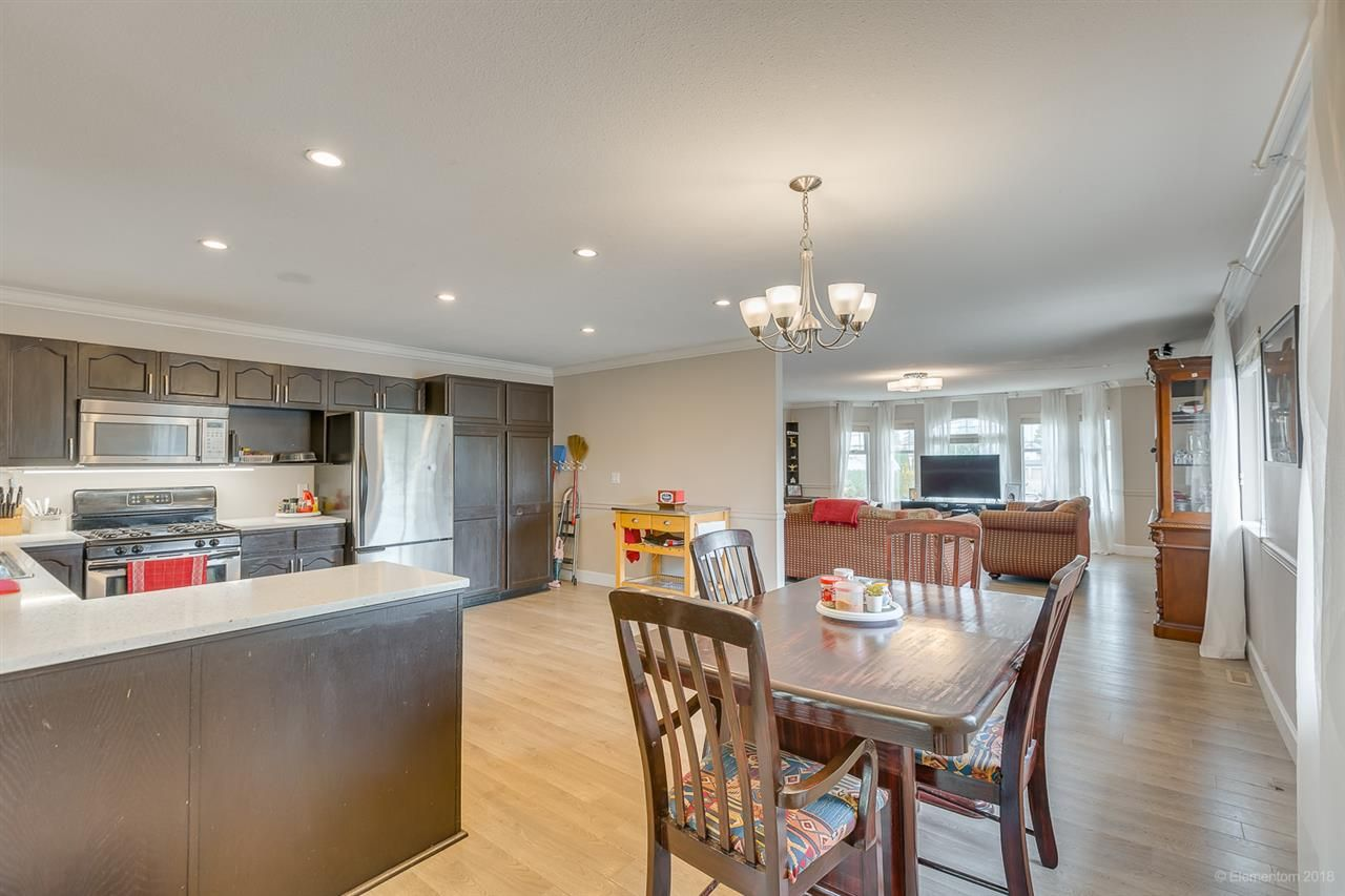 Photo 11: Photos: 19286 PARK Road in Pitt Meadows: Mid Meadows House for sale : MLS®# R2510376