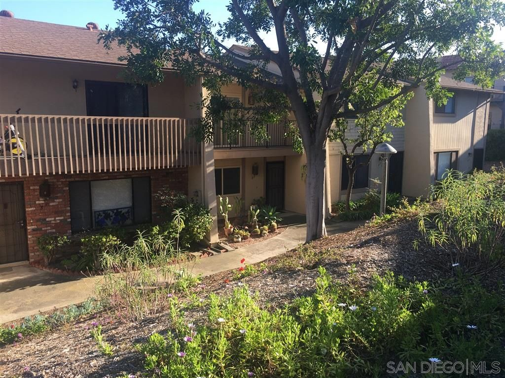 Main Photo: LA MESA Townhouse for sale : 3 bedrooms : 5800 Lake Murray Blvd #82