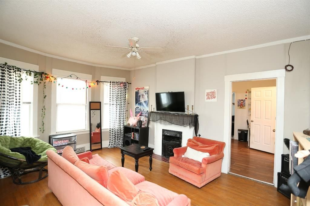 Photo 5: Photos: 320 21 Avenue SW in Calgary: Mission Detached for sale : MLS®# A1097564