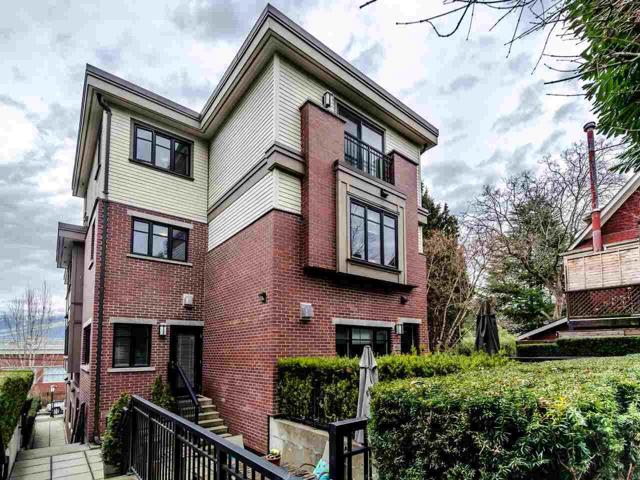 Main Photo: 462 E 5TH Avenue in Vancouver: Mount Pleasant VE Townhouse for sale (Vancouver East)  : MLS®# R2544959