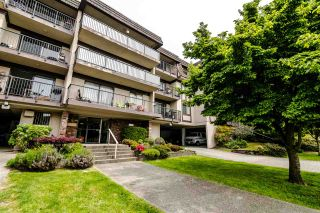 "Photo 2: 304 252 W 2ND Street in North Vancouver: Lower Lonsdale Condo for sale in ""SANDRINGHAM MEWS"" : MLS®# R2370117"