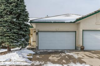 Photo 3: 25 Strathearn Gardens SW in Calgary: Strathcona Park Semi Detached for sale : MLS®# A1045110
