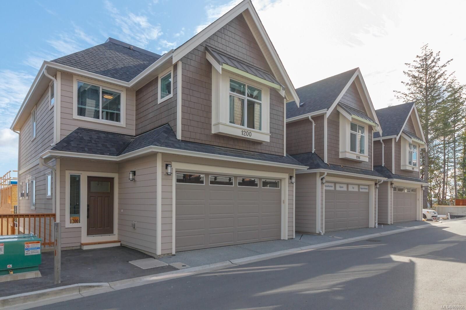 Main Photo: 1216 Moonstone Loop in : La Bear Mountain Row/Townhouse for sale (Langford)  : MLS®# 859856