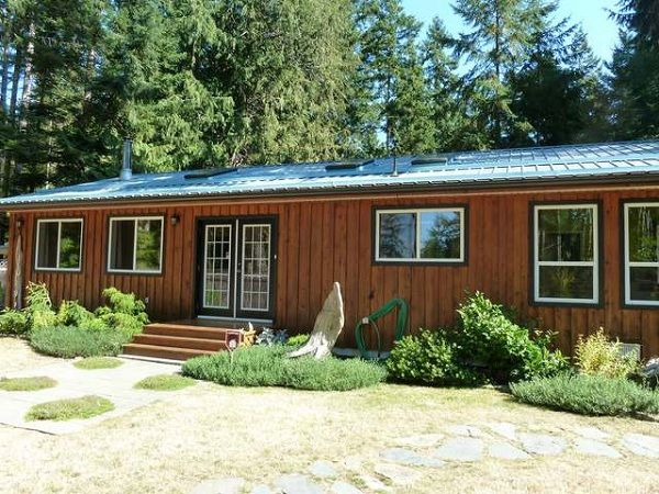 FEATURED LISTING: 330 Spruce Ave Gabriola