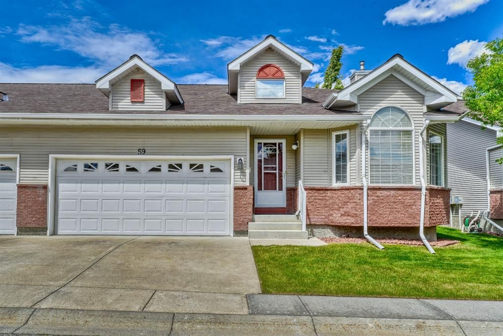 Main Photo: 59 Scotia Landing NW in Calgary: Scenic Acres Semi Detached for sale : MLS®# A1119656