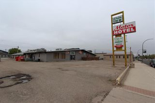 Photo 1: 534 Broadway Avenue in Killarney: Industrial / Commercial / Investment for sale (R34 - Turtle Mountain)  : MLS®# 202118773