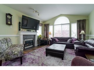 Photo 4: 7982 TOPPER DRIVE in Mission: Mission BC House for sale : MLS®# R2042980