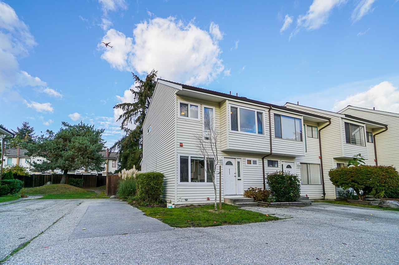 """Main Photo: 11 9342 128 Street in Surrey: Queen Mary Park Surrey Townhouse for sale in """"Surrey Meadows"""" : MLS®# R2513633"""