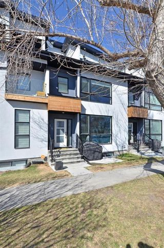 Photo 2: 154 21 Avenue NW in Calgary: Tuxedo Park Row/Townhouse for sale : MLS®# A1098746