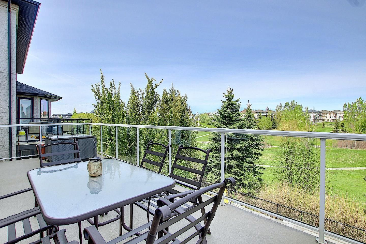 Main Photo: 13428 140 Avenue in Edmonton: Zone 27 House for sale : MLS®# E4245945