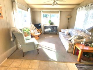 "Photo 5: 8 24330 FRASER Highway in Langley: Otter District Manufactured Home for sale in ""Langley Grove Estates"" : MLS®# R2344818"