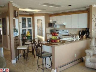 Photo 3: 15074 ROYAL Avenue: White Rock House for sale (South Surrey White Rock)  : MLS®# F1021776