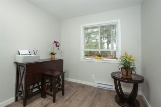 """Photo 11: 6088 W GREENSIDE Drive in Surrey: Cloverdale BC Townhouse for sale in """"Greenside Estates - Cluster 15"""" (Cloverdale)  : MLS®# R2318848"""