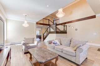 Photo 3: 2124 PATRICIA Avenue in Port Coquitlam: Glenwood PQ House for sale : MLS®# R2583270