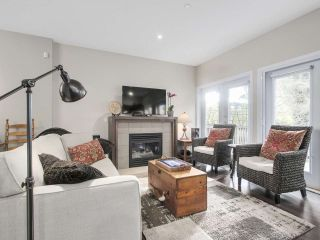 """Photo 5: 8 3750 EDGEMONT Boulevard in North Vancouver: Edgemont Townhouse for sale in """"THE MANOR AT EDGEMONT"""" : MLS®# R2141171"""