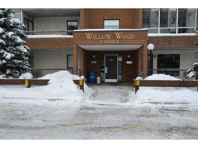 Main Photo: 9 Arden Avenue in WINNIPEG: St Vital Condominium for sale (South East Winnipeg)  : MLS®# 1401505
