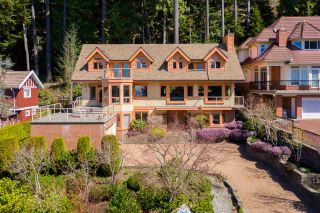 Photo 3: 4977 CHALET Place in North Vancouver: Canyon Heights NV House for sale : MLS®# R2569040