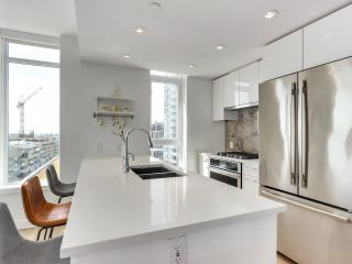 """Photo 15: 920 3557 SAWMILL Crescent in Vancouver: South Marine Condo for sale in """"RIVER DISTRICT - ONE TOWN CENTER"""" (Vancouver East)  : MLS®# R2580198"""