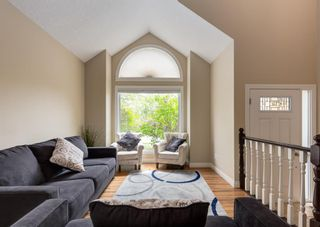 Photo 4: 86 Wood Valley Drive SW in Calgary: Woodbine Detached for sale : MLS®# A1119204