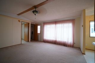 Photo 3: 17 King Crescent in Portage la Prairie RM: House for sale : MLS®# 202112449