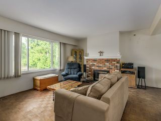 Photo 3: 5190 PARKER Street in Burnaby: Brentwood Park House for sale (Burnaby North)  : MLS®# V1123430