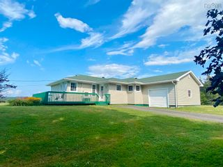 Photo 1: 812 Durham Road in Scotsburn: 108-Rural Pictou County Residential for sale (Northern Region)  : MLS®# 202122165