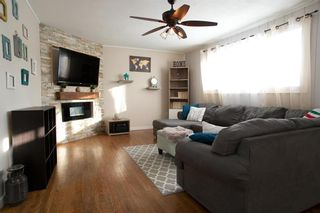 Photo 3: 439 Yale Avenue West in Winnipeg: West Transcona Residential for sale (3L)  : MLS®# 202101290