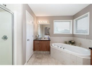 Photo 17: 131 Valley Stream Circle NW in Calgary: Valley Ridge House for sale : MLS®# C4092729