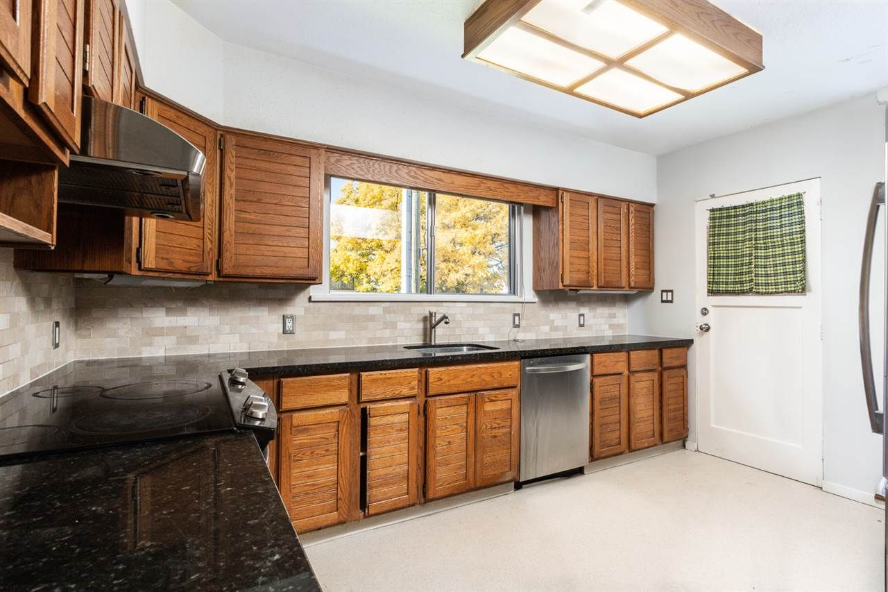 Photo 5: Photos: 2103 E 33RD Avenue in Vancouver: Victoria VE House for sale (Vancouver East)  : MLS®# R2511808