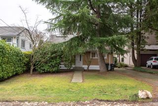Photo 3: 7860 ROSEWOOD Street in Burnaby: Burnaby Lake House for sale (Burnaby South)  : MLS®# R2339021