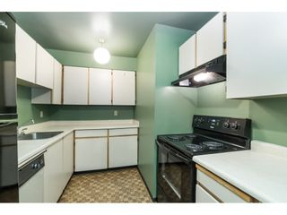 """Photo 4: 105 10644 151A Street in Surrey: Guildford Condo for sale in """"LINCOLN'S HILL"""" (North Surrey)  : MLS®# R2431314"""