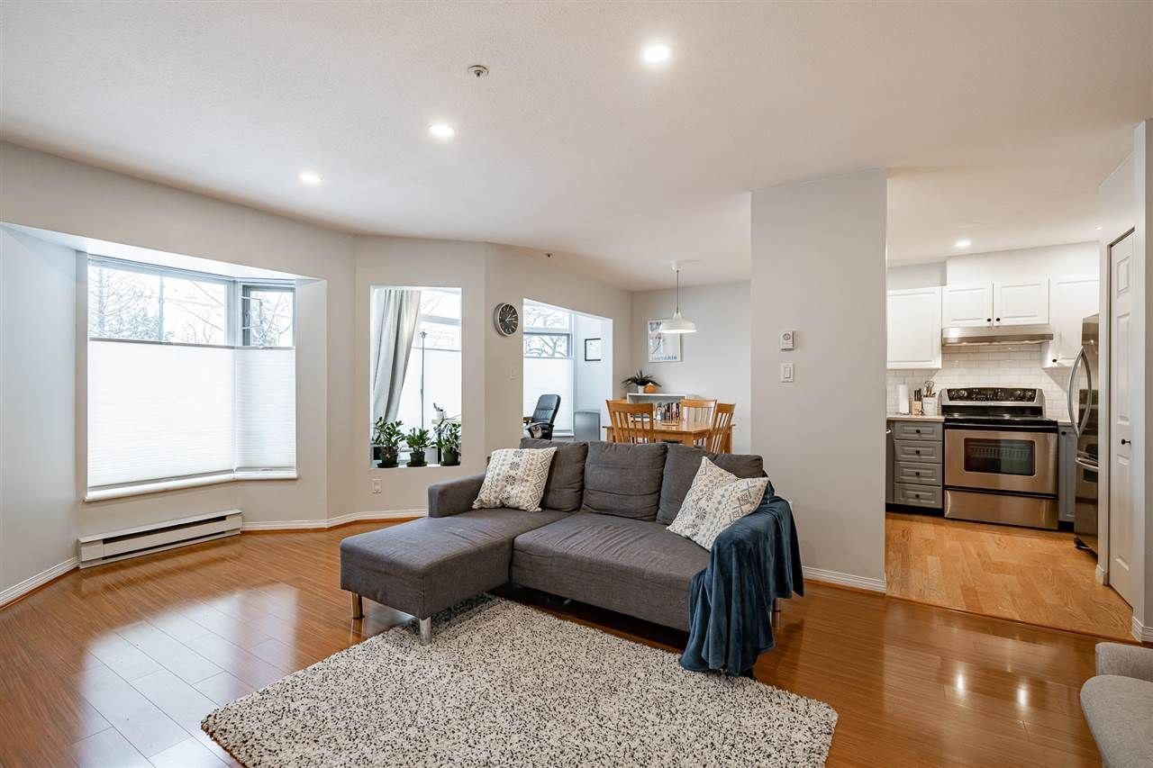 """Main Photo: 108 2677 E BROADWAY in Vancouver: Renfrew VE Condo for sale in """"BROADWAY GARDENS"""" (Vancouver East)  : MLS®# R2434845"""