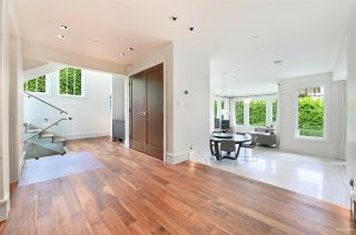 Photo 3: 2302 LAWSON AVENUE in West Vancouver: Dundarave House for sale : MLS®# R2492201