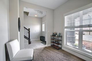 Photo 7: 444 Quarry Way SE in Calgary: Douglasdale/Glen Row/Townhouse for sale : MLS®# A1094767