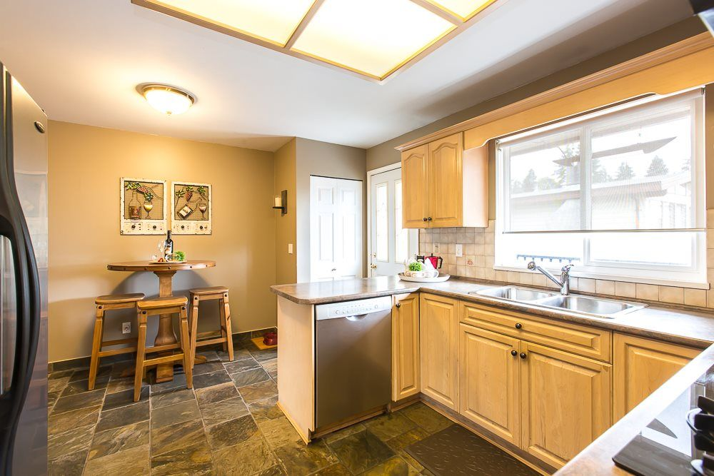 Photo 15: Photos: 601 LIDSTER Place in New Westminster: The Heights NW House for sale : MLS®# R2079374