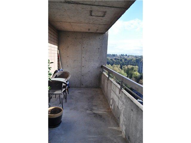 "Photo 5: Photos: 2102 3771 BARTLETT Court in Burnaby: Sullivan Heights Condo for sale in ""SULLIVAN HEIGHTS"" (Burnaby North)  : MLS®# V1059980"