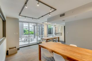 """Photo 13: 611 1783 MANITOBA Street in Vancouver: False Creek Condo for sale in """"The Residences at West"""" (Vancouver West)  : MLS®# R2155834"""