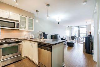 """Photo 5: 808 1 RENAISSANCE Square in New Westminster: Quay Condo for sale in """"THE 'Q'"""" : MLS®# R2521364"""
