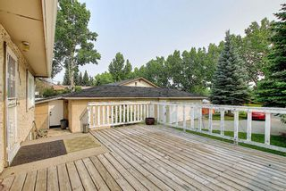 Photo 2: 4815 Vienna Drive NW in Calgary: Varsity Detached for sale : MLS®# A1128282