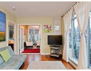 Photo 6: # 305 2228 W BROADWAY in Vancouver: Condo for sale : MLS®# V874301