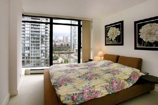 """Photo 5: 907 155 W 1ST Street in North Vancouver: Lower Lonsdale Condo for sale in """"Time"""" : MLS®# R2086762"""