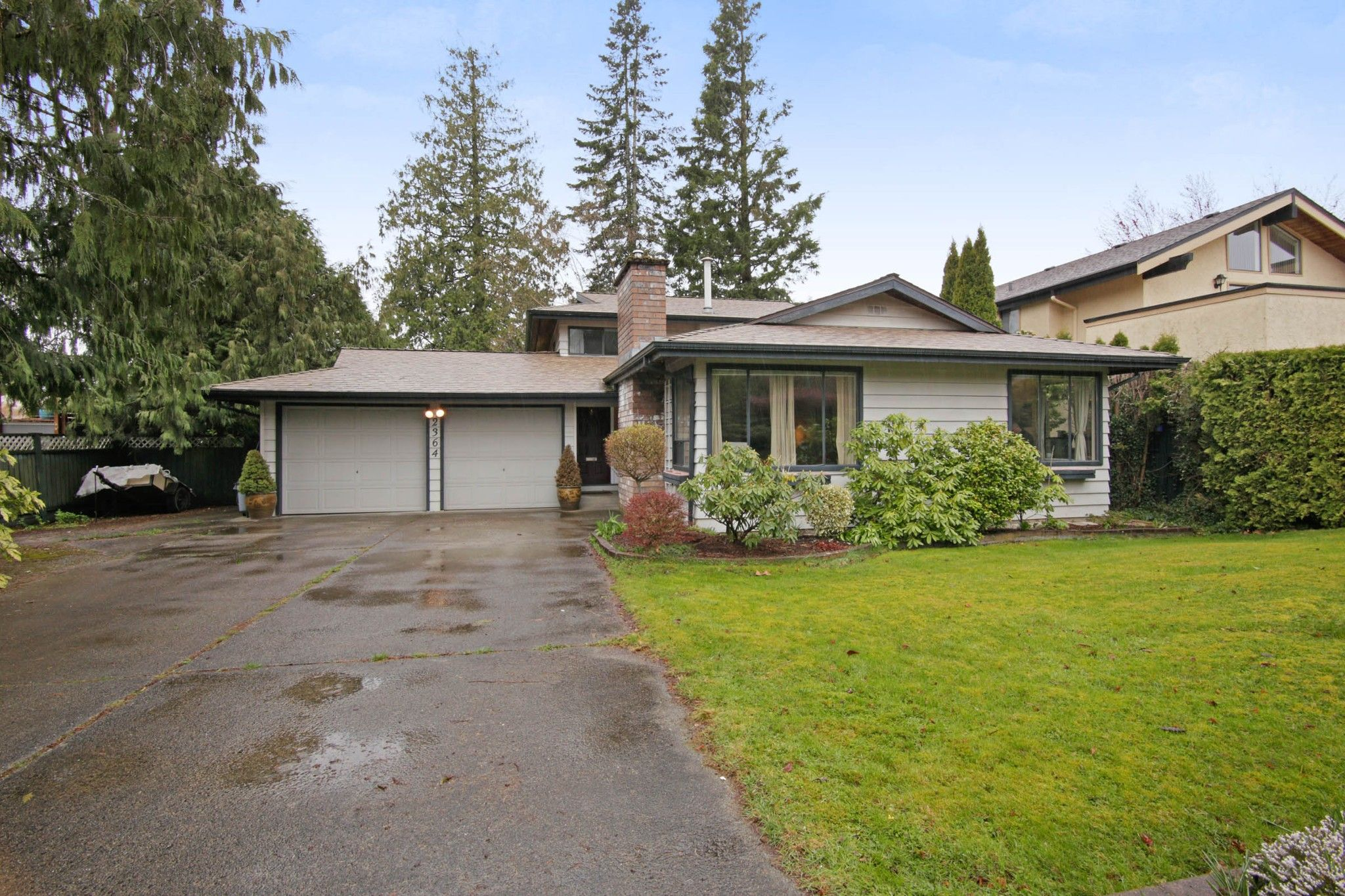 Main Photo: 2364 ANORA Drive in Abbotsford: Abbotsford East House for sale : MLS®# R2251133