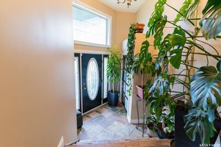 Photo 4: 407 Greaves Crescent in Saskatoon: Willowgrove Residential for sale : MLS®# SK859591