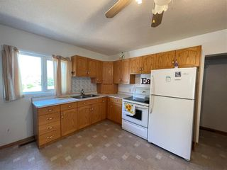 Photo 2: 147 Park Street in Grunthal: R16 Residential for sale : MLS®# 202117195