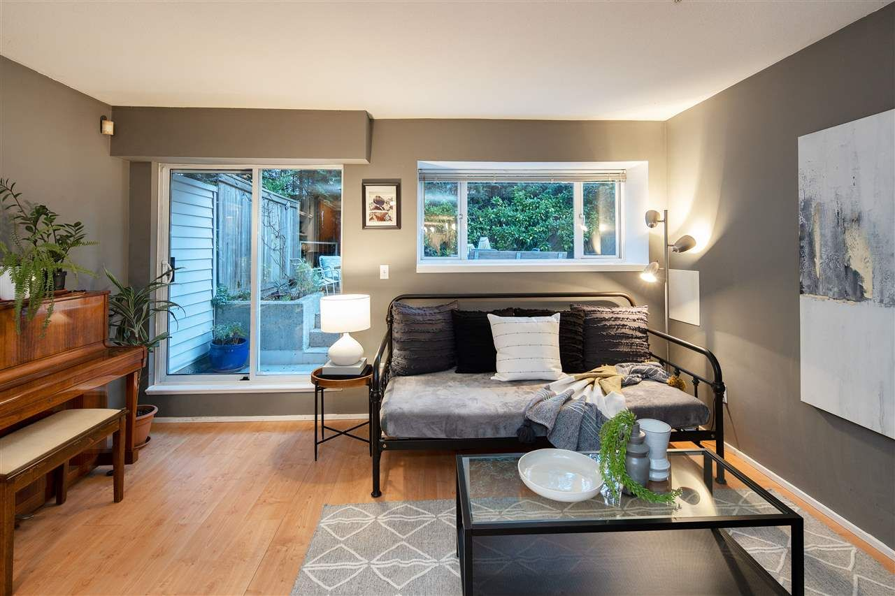 """Photo 3: Photos: 102 788 E 8TH Avenue in Vancouver: Mount Pleasant VE Condo for sale in """"Chelsea Court"""" (Vancouver East)  : MLS®# R2515993"""