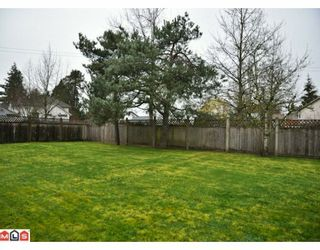Photo 10: 17085 61A Avenue in Surrey: Cloverdale BC House for sale (Cloverdale)  : MLS®# F1004959