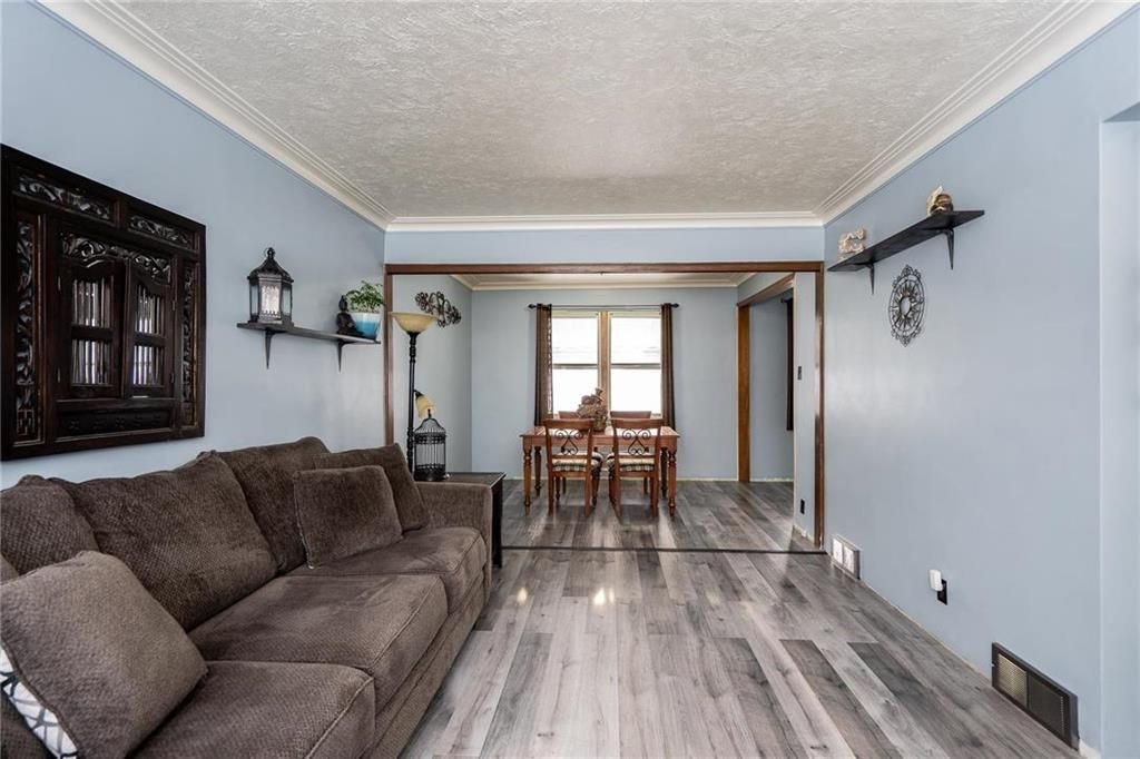 Photo 5: Photos: 984 Cathedral Avenue in Winnipeg: Sinclair Park Residential for sale (4C)  : MLS®# 202029493