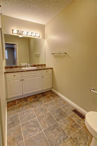 Photo 23: 86 VALLEY RIDGE Heights NW in Calgary: Valley Ridge Row/Townhouse for sale : MLS®# C4222084