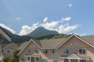 """Photo 32: 10 1200 EDGEWATER Drive in Squamish: Northyards Townhouse for sale in """"Edgewater"""" : MLS®# R2603917"""