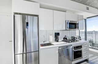 Photo 9: 1502 1010 6 Street SW in Calgary: Beltline Apartment for sale : MLS®# A1054392